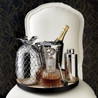 现代酒瓶酒盅组合3d模型