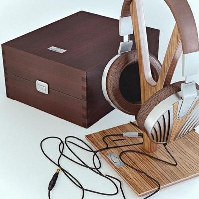 现代耳机实木盒子组合3D模型【ID:27240063】