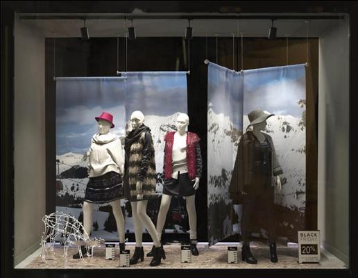现代商场服装店模特3D模型【ID:57195919】