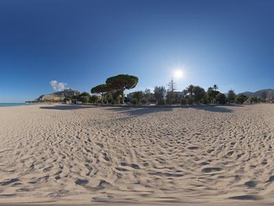 沙滩海景 蓝天少云