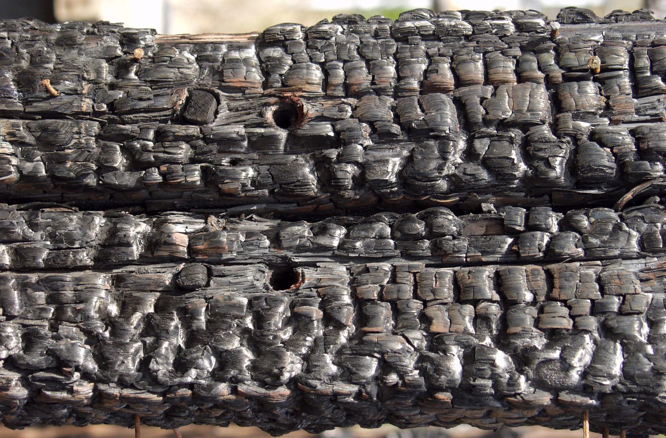 木材-燃烧过的-木梁(41)
