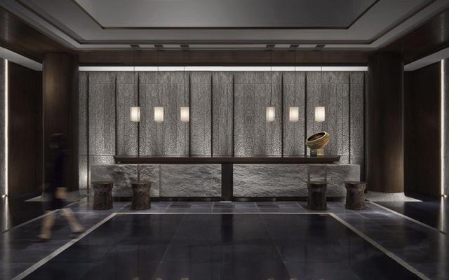 新中式酒店前台 新中式前台 单头吊灯 吧凳 摆件