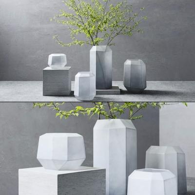 北欧艺术花瓶插花3D模型