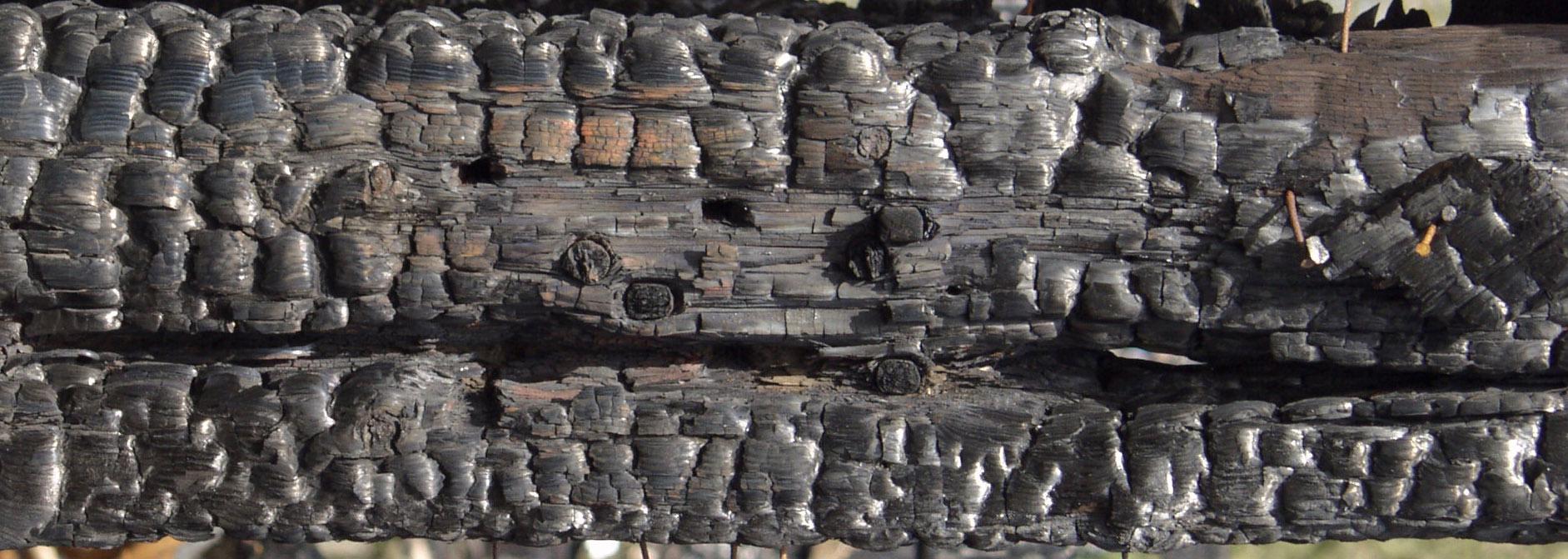 木材-燃烧过的-木梁(1)