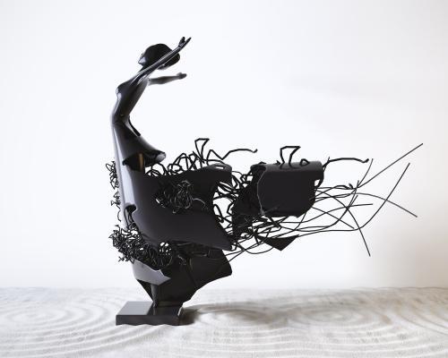 现代抽象舞蹈者铁艺装饰摆件