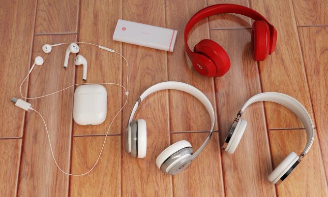 现代耳机 充电宝