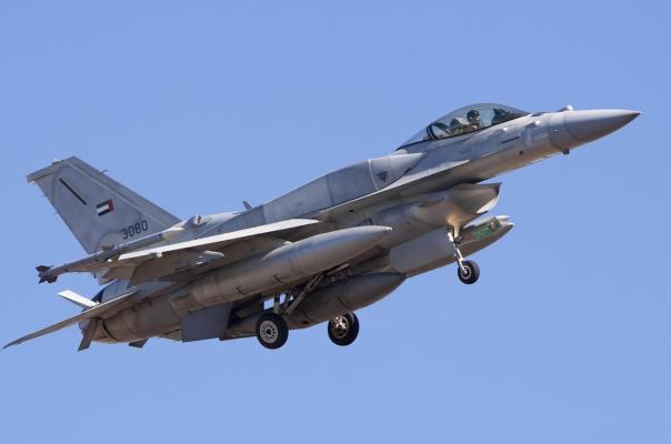現代美軍F16戰斗機