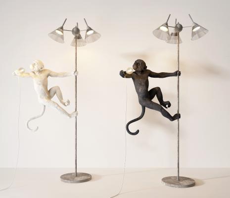现代猴子落地灯组合